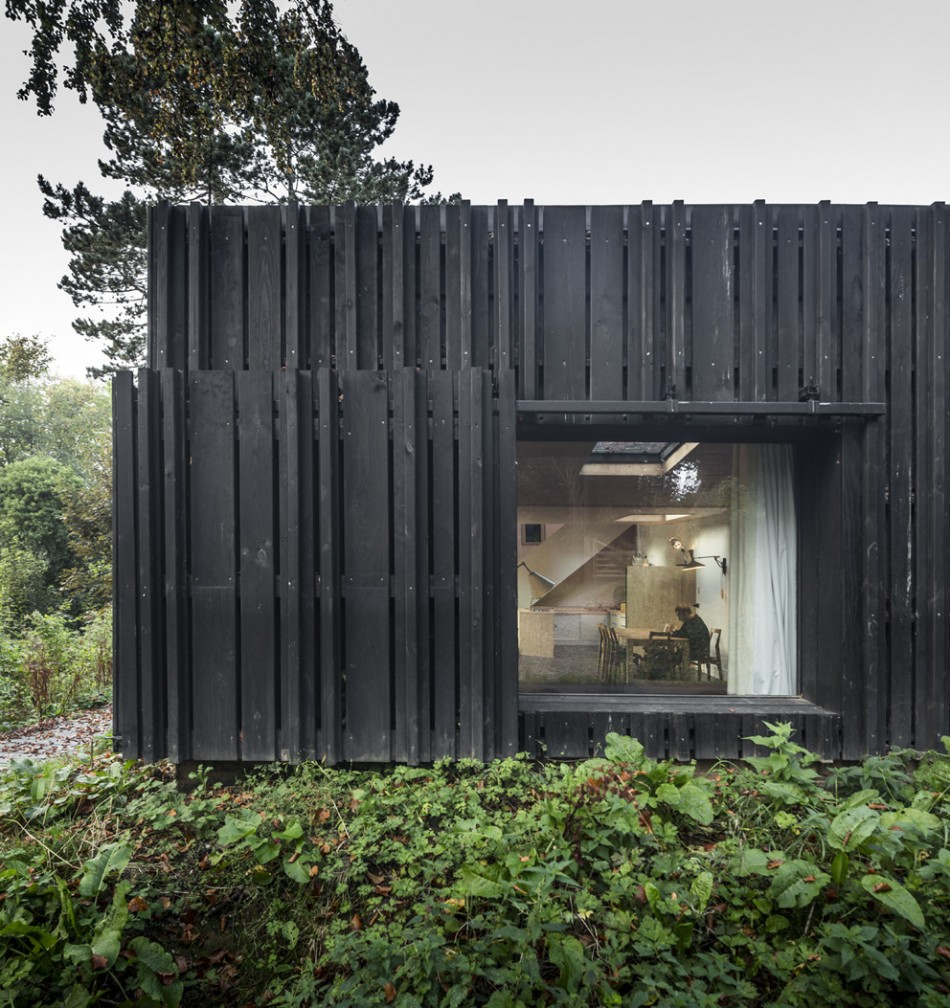 House of the day black house by marchi architectes journal the modern house