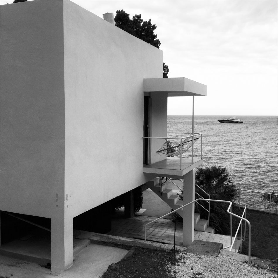House of the day e 1027 by eileen gray journal the for Modern house journal