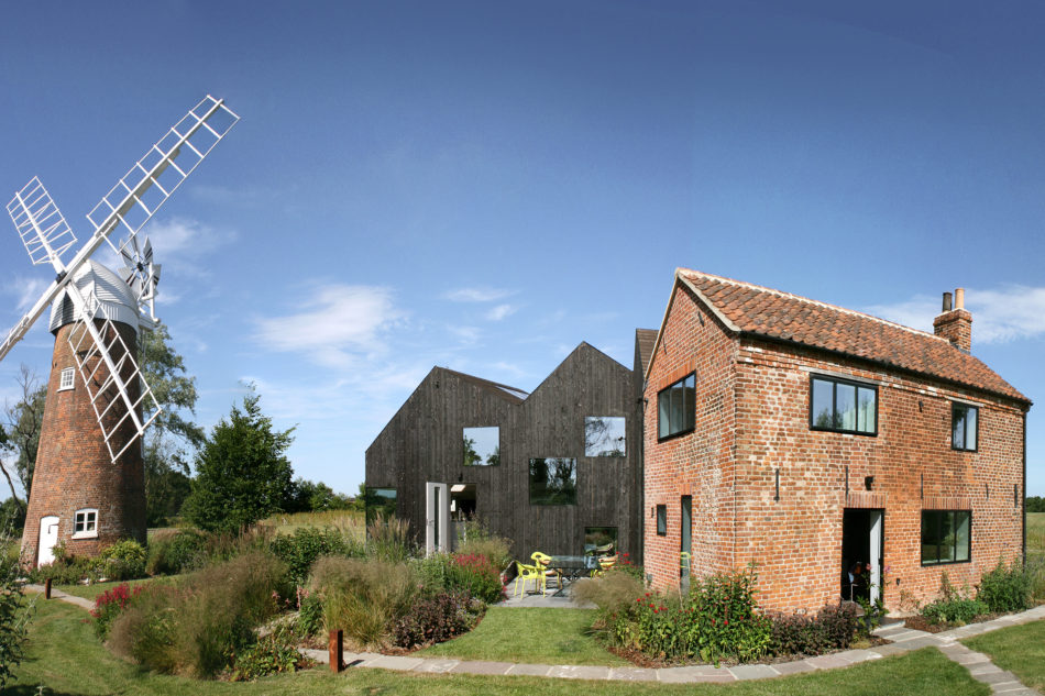 Mill house norfolk uk sleeps 9 the modern house for Modern house holiday lets